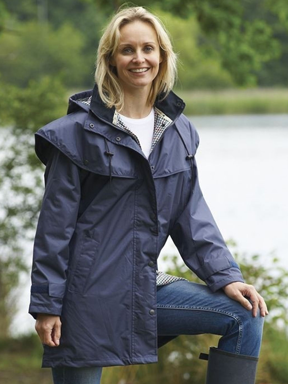 Ladies Champion Windsor Cape Jacket Navy